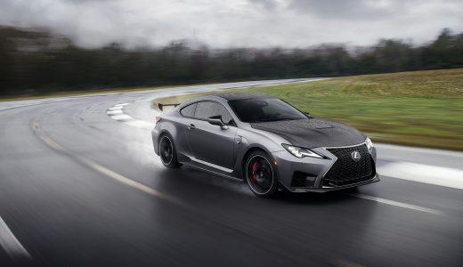 レクサス RC Fはサーキット走行でも十分楽しめるモデル。レーシングカーを想起させるようなエクステリアが魅力